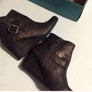 Blowfish Chocolate brown boots. New in box Siz 7.5